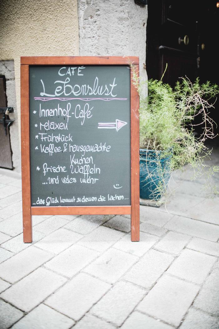 Café Lebenslust Schild