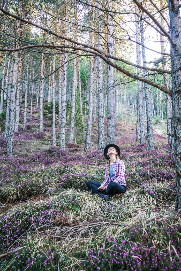 Christine Neder im Wald