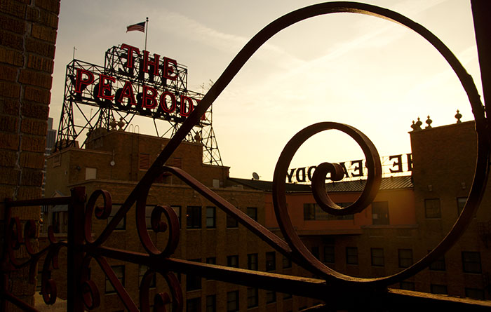 Sonnenuntergang auf dem Dach des Peabody Hotels