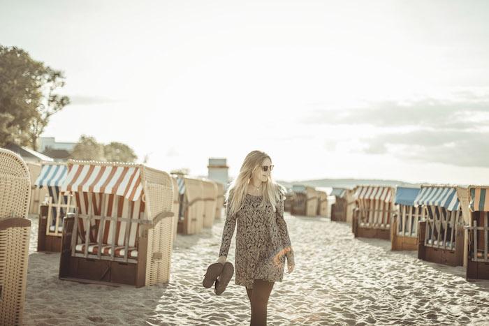 Am Strand rumlaufen