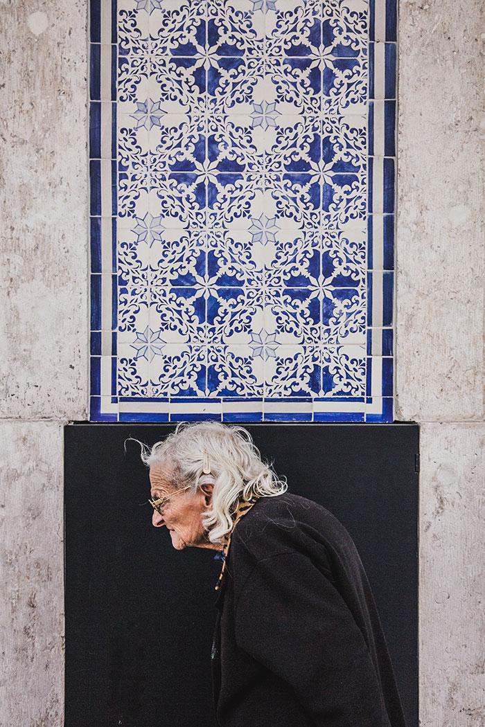 Blaue Kacheln in Lissabon