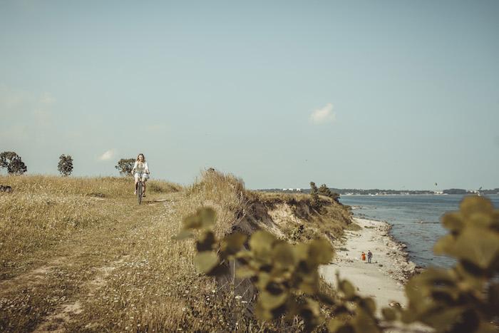 Fahrradfahren entlang der Steilküste
