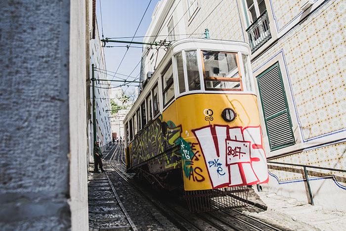 Gelbe Tram Lissabon
