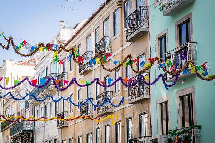 Geschmückte Straßen Lissabon