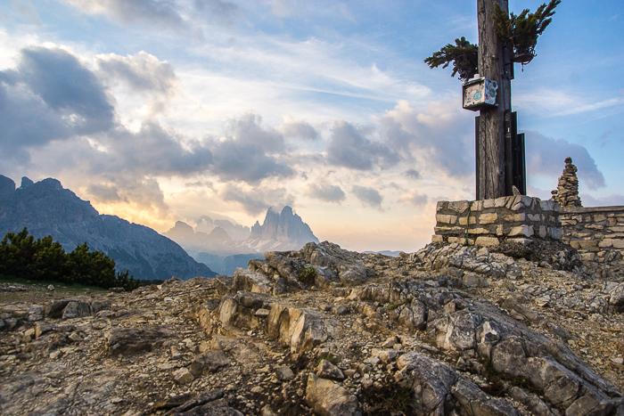 Dolomitenregion Drei Zinnen - Sonnenaufgang mit Blick auf die Drei Zinnen
