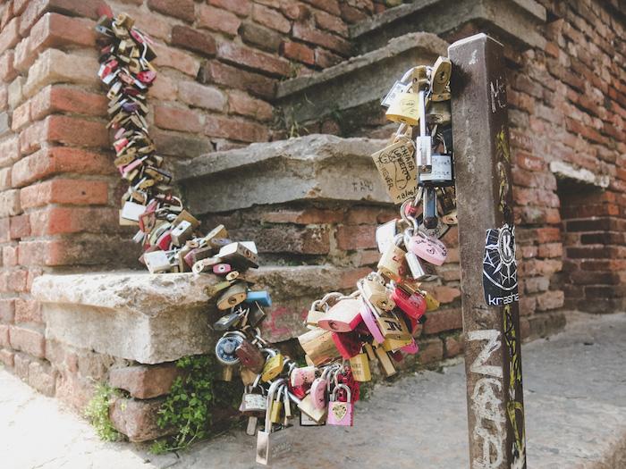 Liebesschlösser in Verona