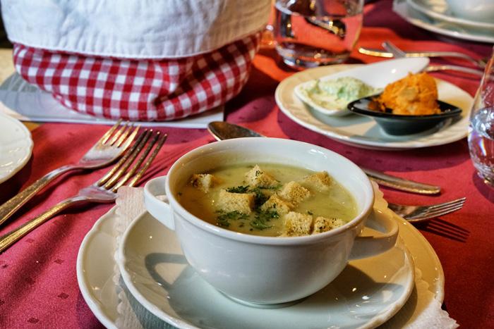 Suppe im Hotel Saigerhöh