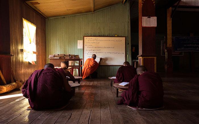 Buddhistische Novizenschule