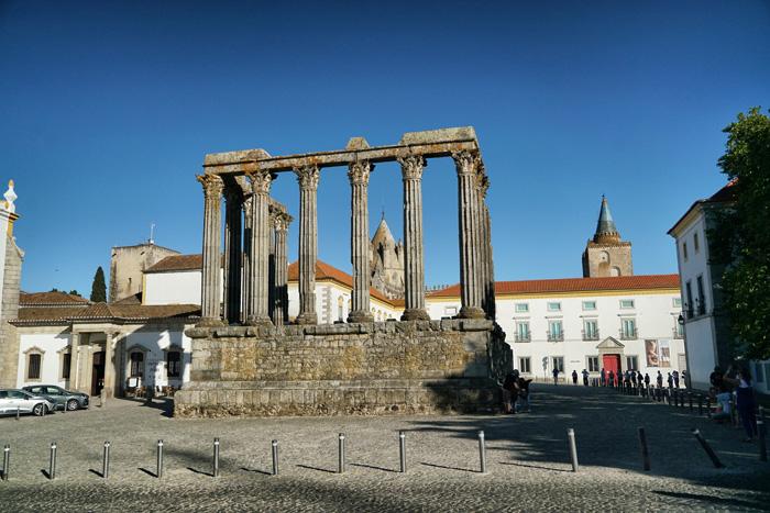 Diana Tempel Evora