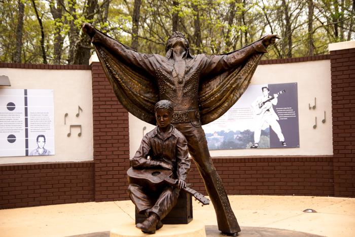 Elvis Statue in Tupelo