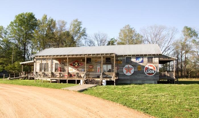 Tallahatchie Flats Taverne