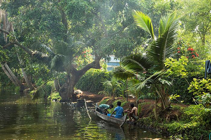 Kinder Indien Bootstour