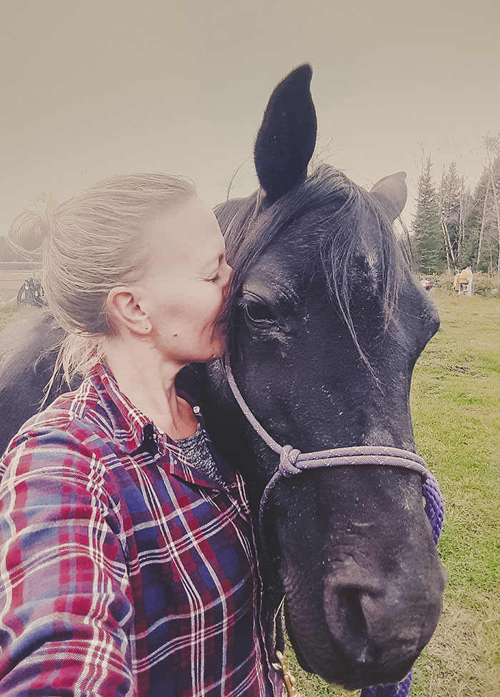 Laura mit Pferd