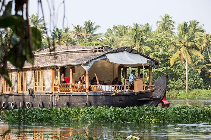 Mit den Booten durch die Backwaters von Alappuzha