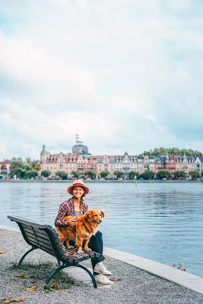 Christine Neder mit Boris am Bodensee