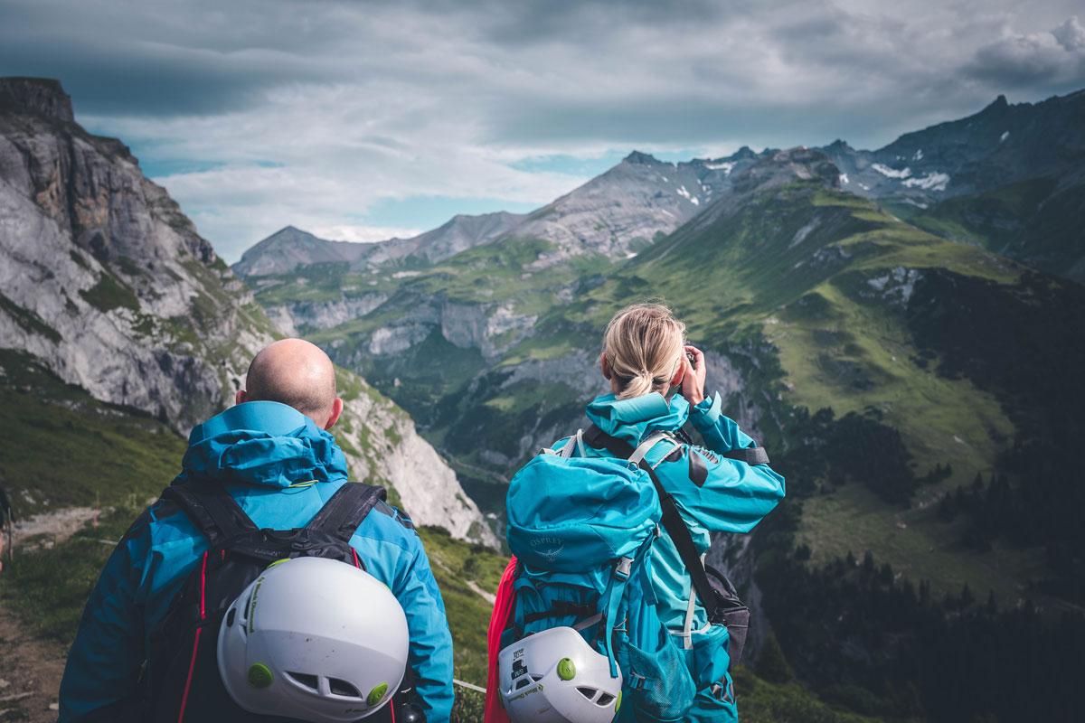 Caro und Martin beim Abstieg nach Bargis