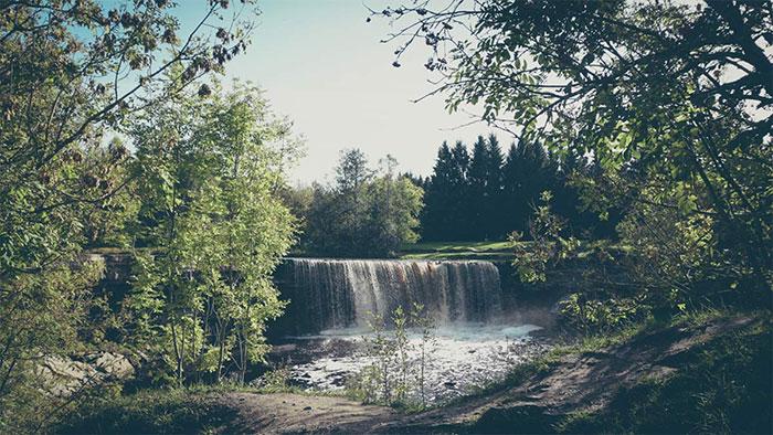 Jägala Wasserfall Ankunft