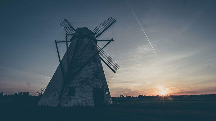 Mühle im Sonnenuntergang