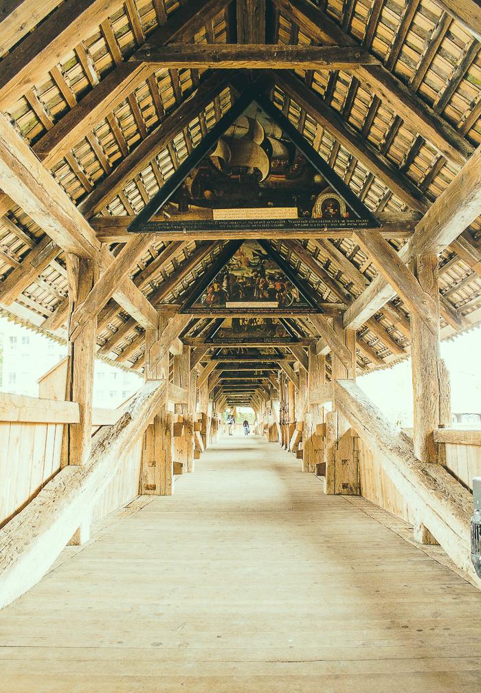Die Kapellbrücke ist komplett aus Holz