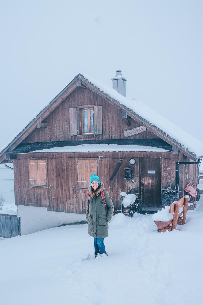Reisebloggerin im Schnee auf der Rigi Kulm