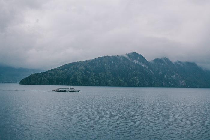 Schiffe fahren auf dem Vierwaldstättersee