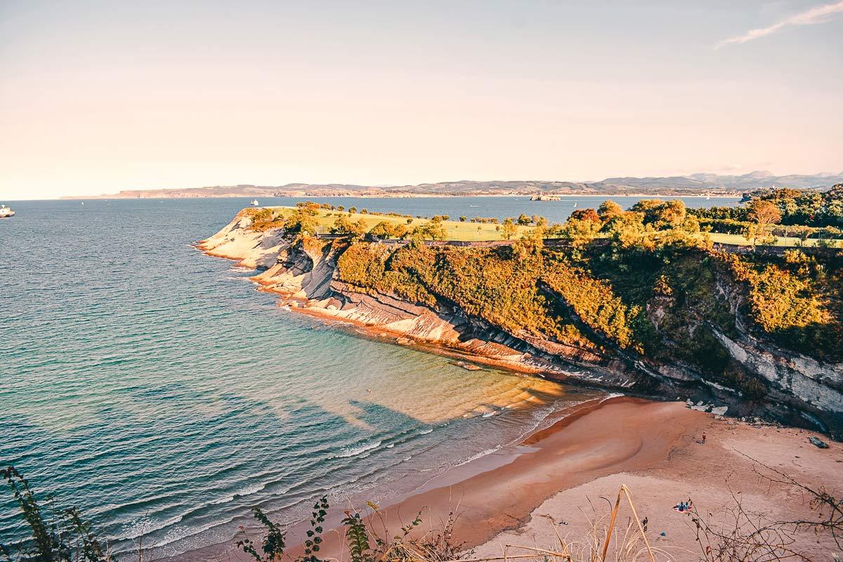 Einsamer Strand Santander