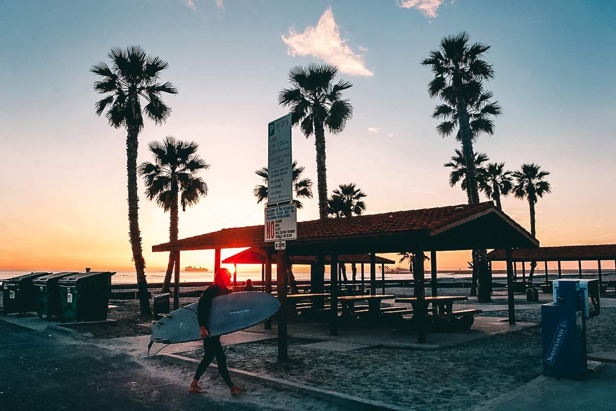 Surfen in Oceanside Kalifornien