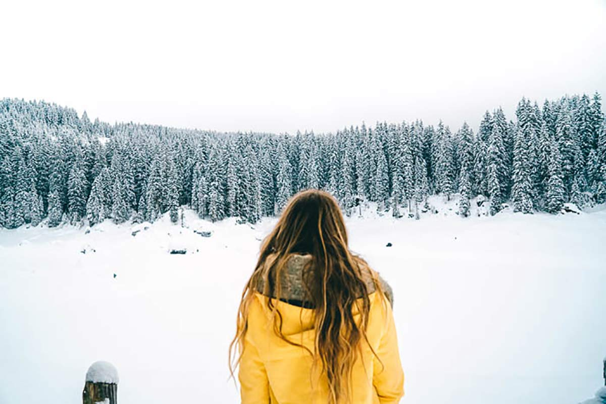 winter gelbe Jacke
