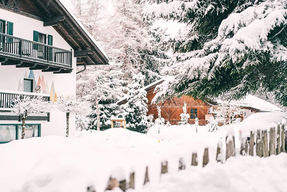 Winter Waldhotel Tann