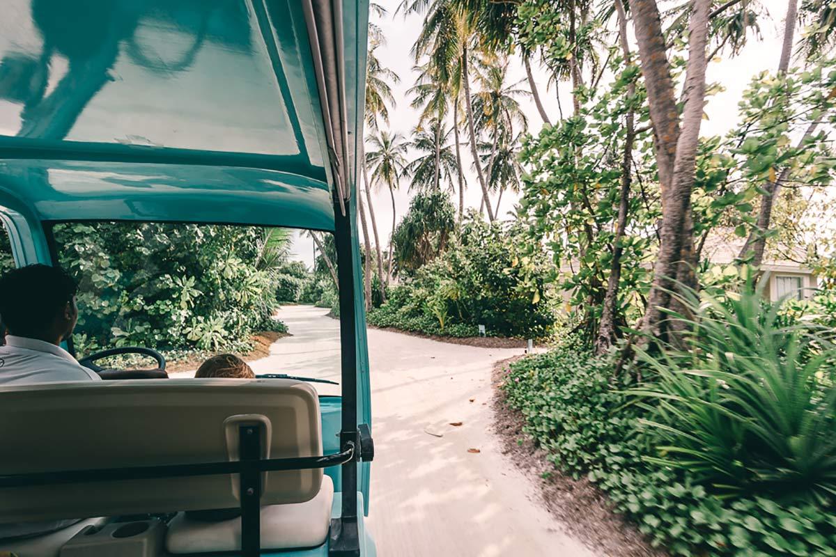 Bus Shuttle Kandima