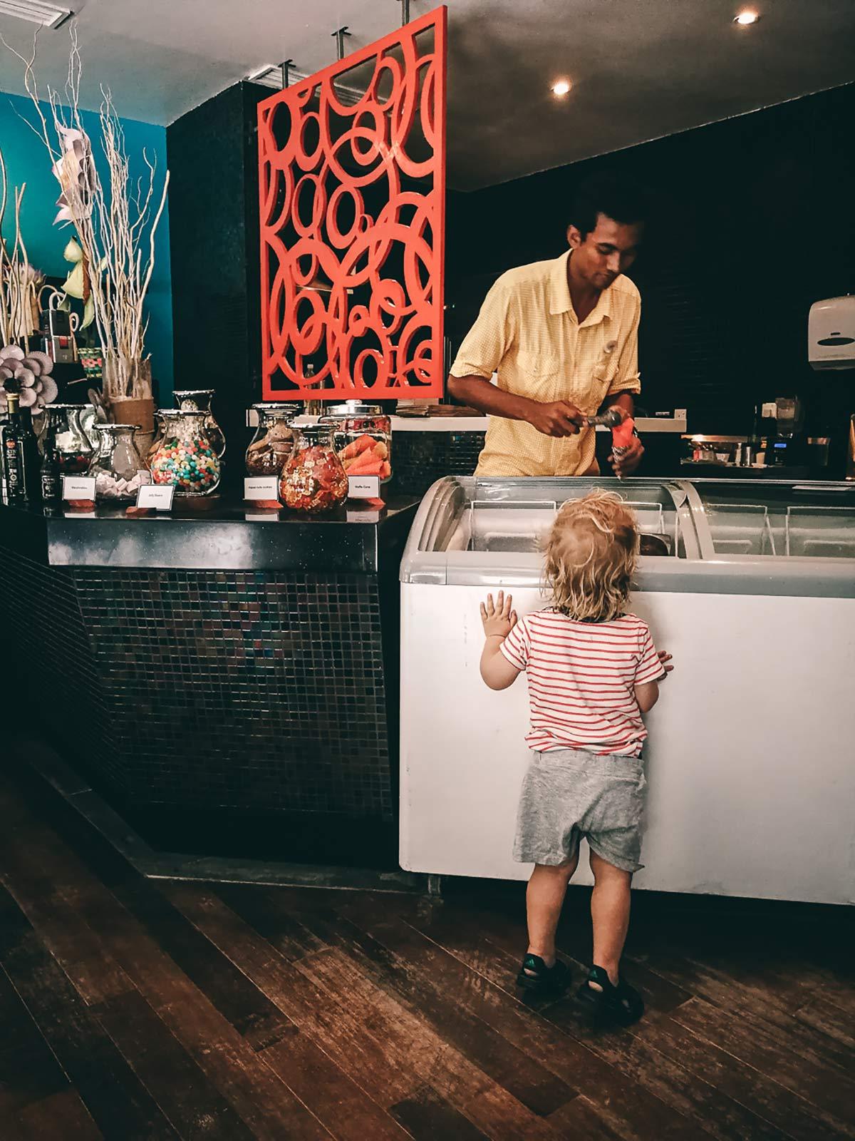 Eis Cafe Niyama