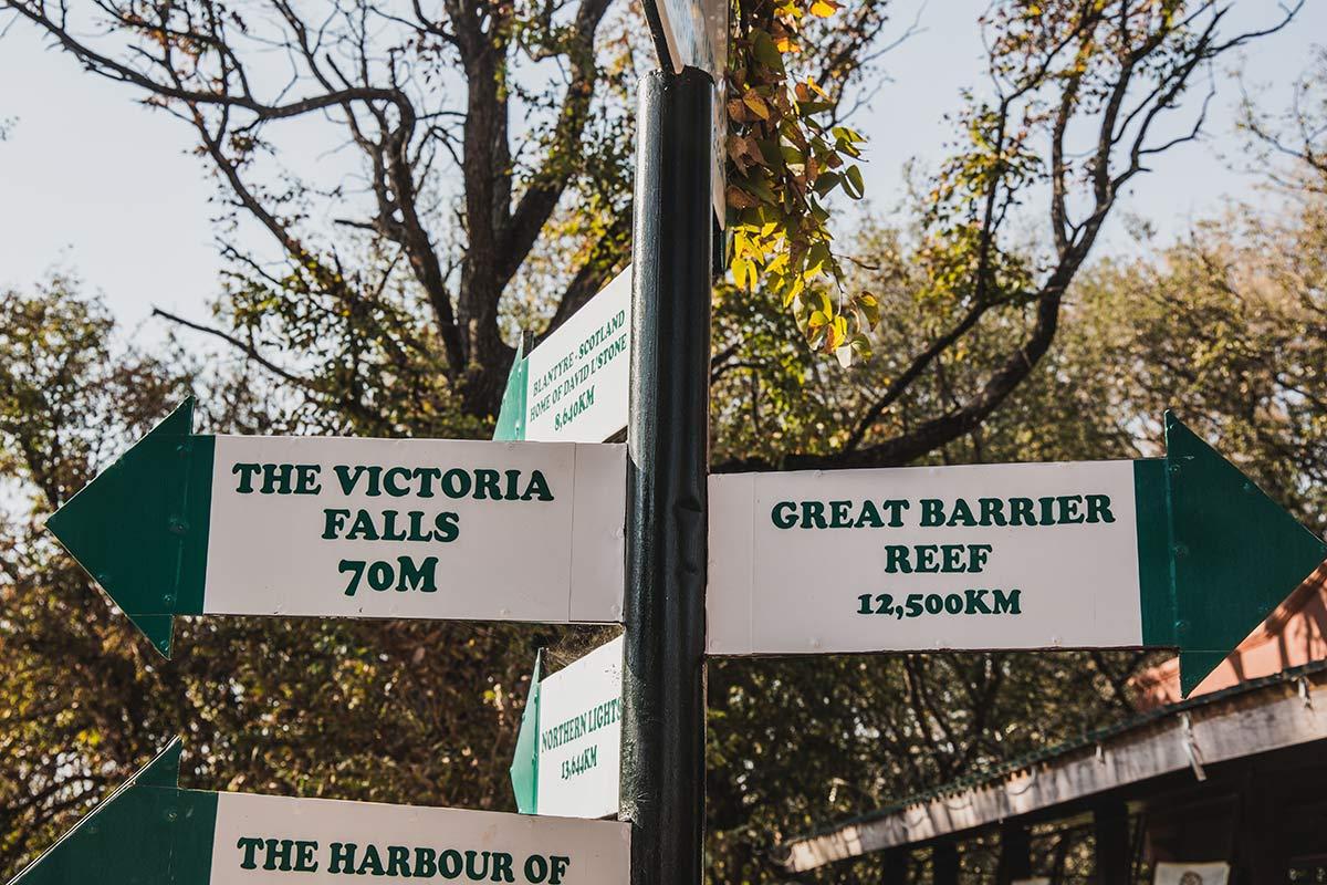 Schild Viktoriafaelle Sambia