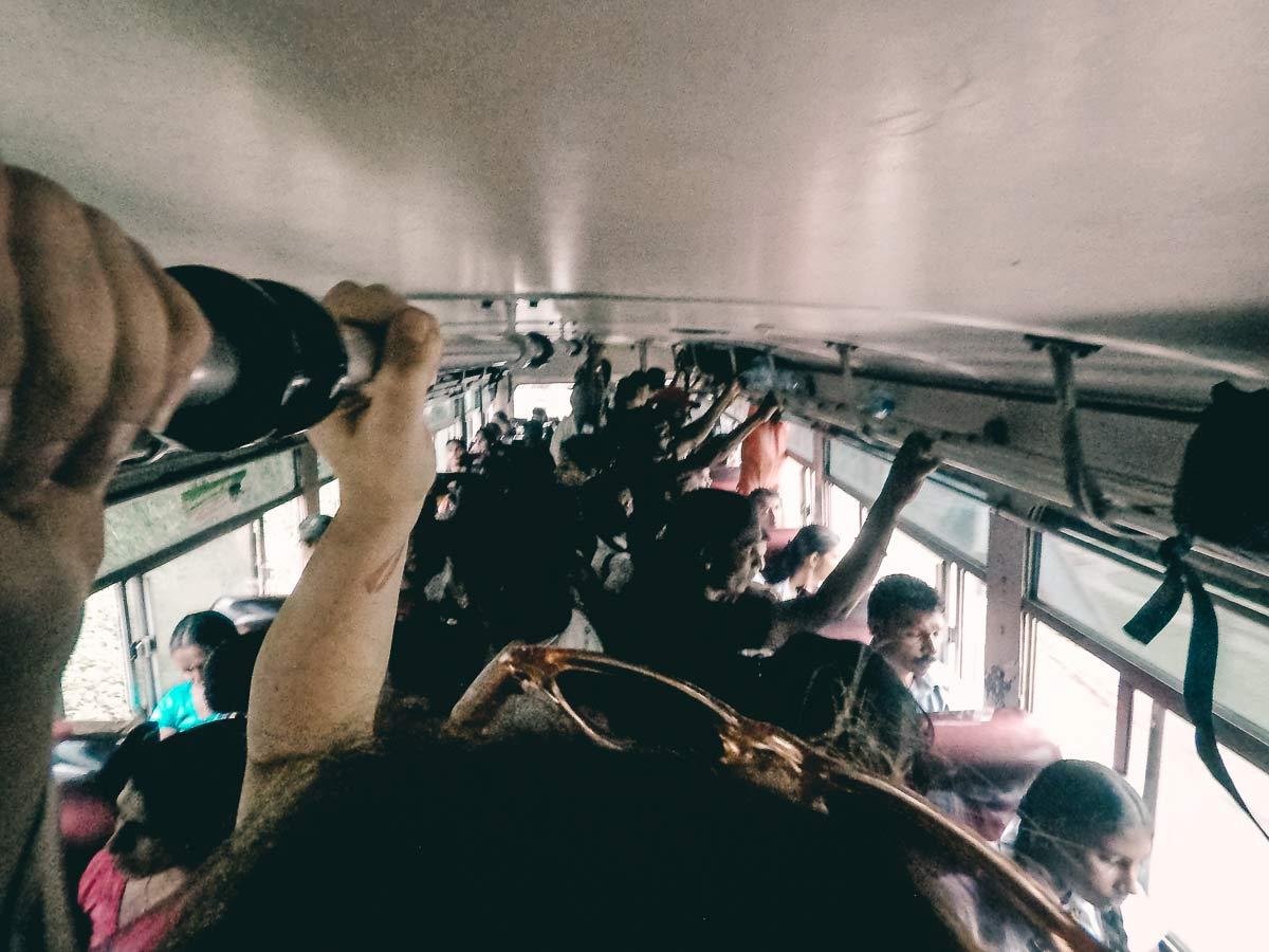 Sehr voller Bus