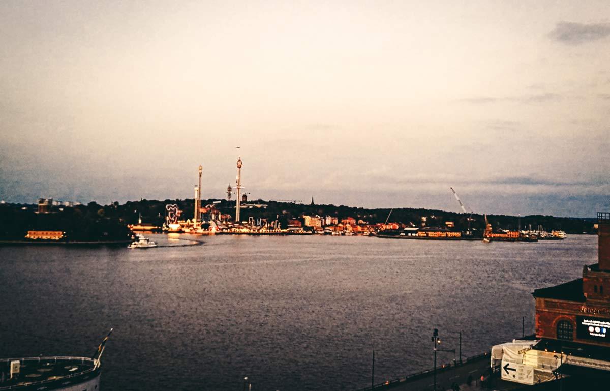Aussicht Restaurant Hermans im Hintergrund Groena Lund