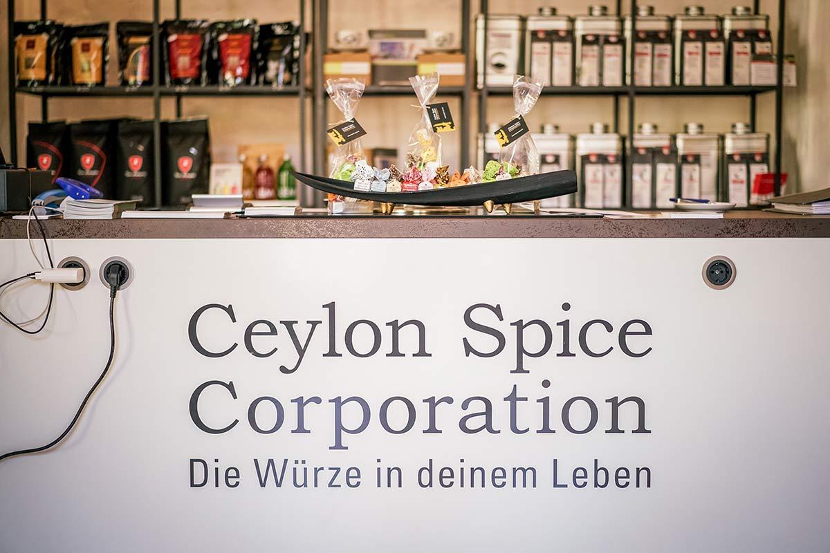 Ceylon Spice Corporation Worms Schild