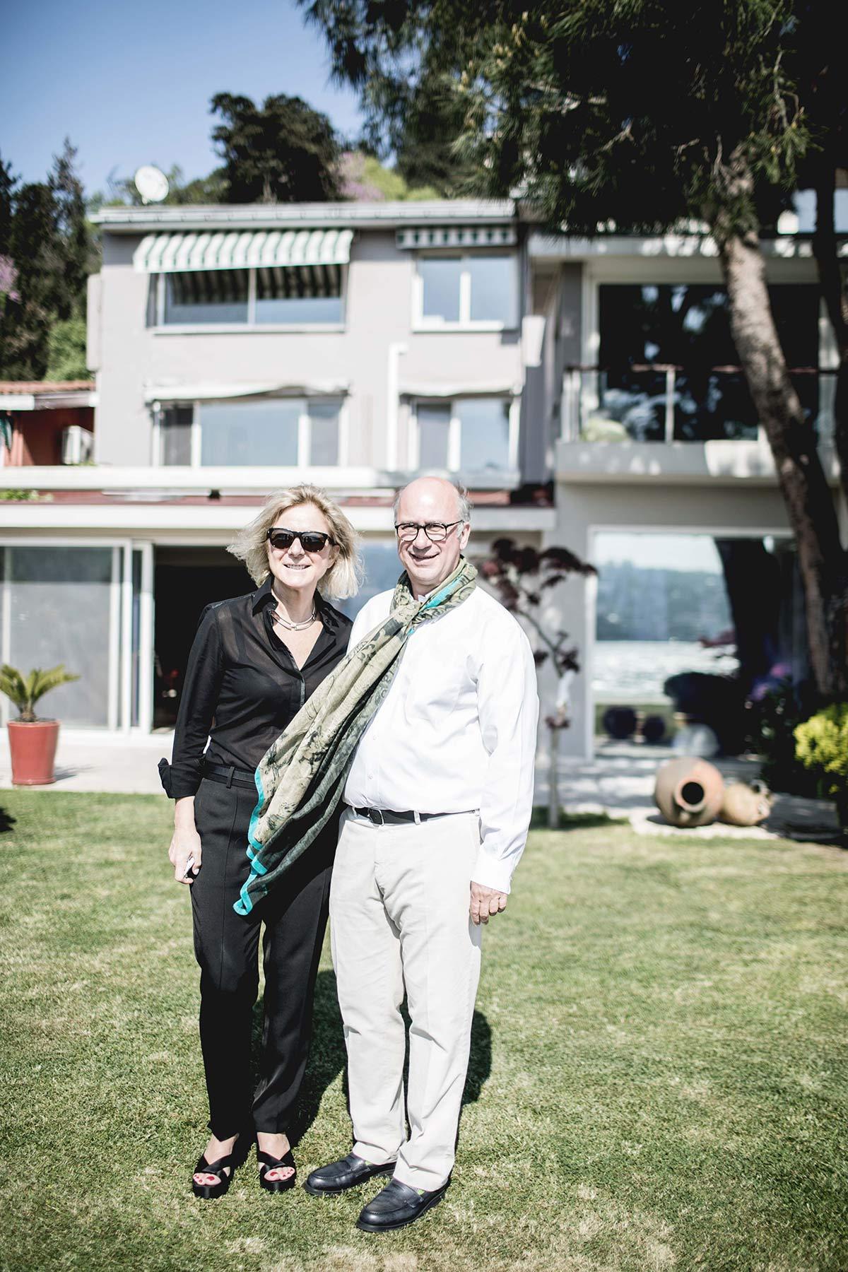 Kuenstler Faruk und Frau