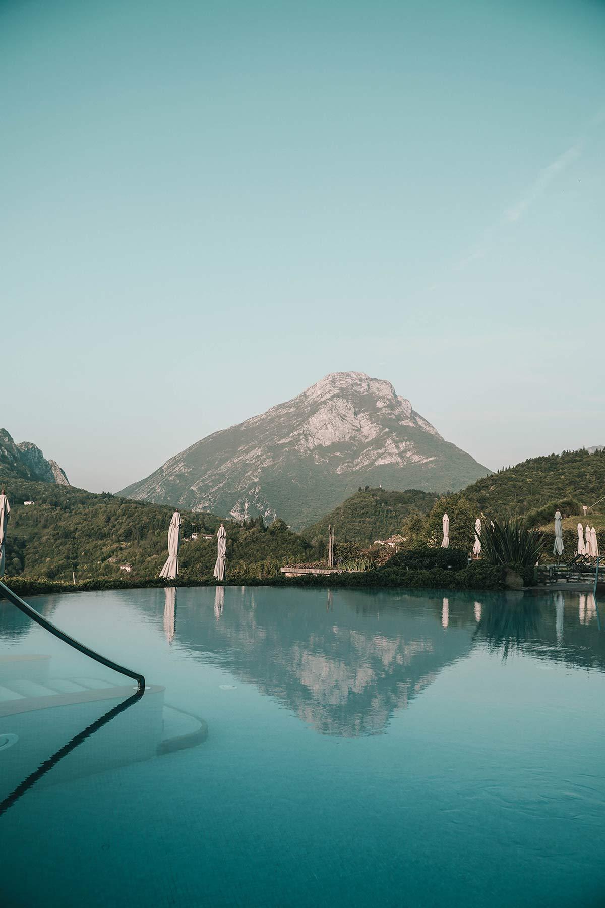 Pool mit Ausblick Gardasee