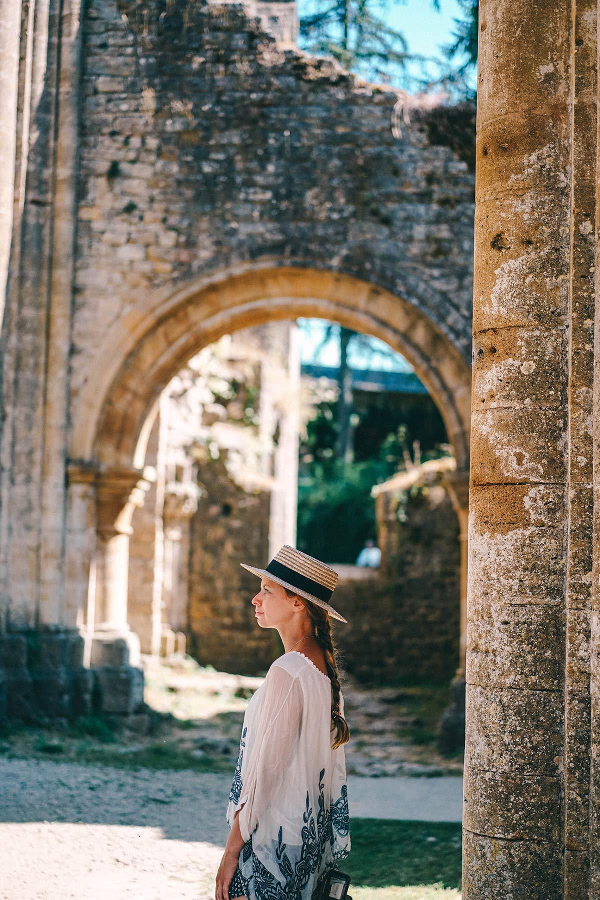 Besichtigung der Abtei Ruine