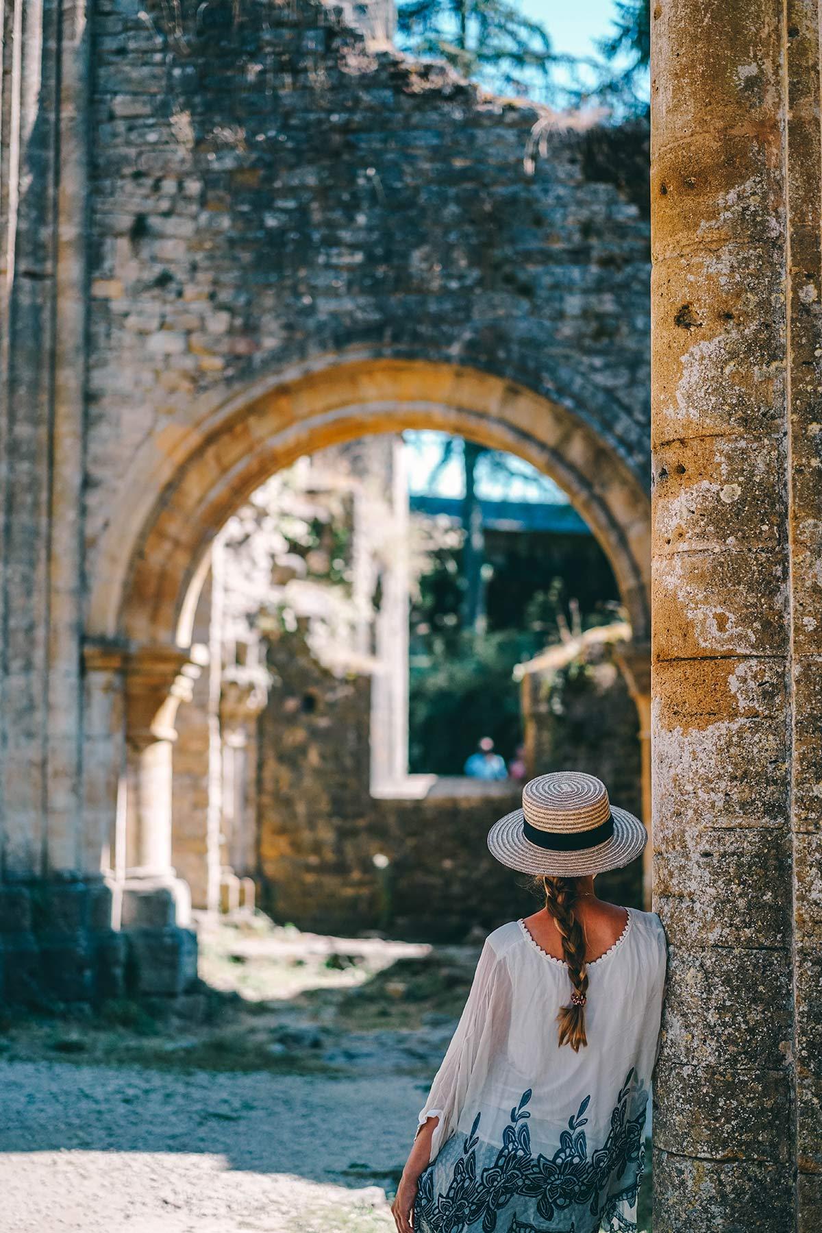 Besichtigung der Abtei Oval