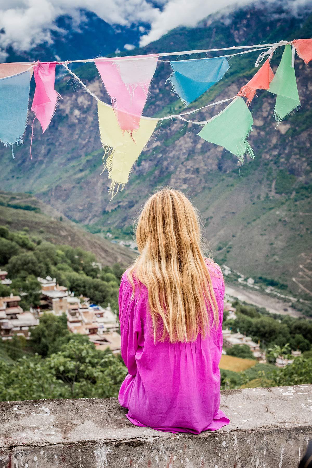 Gebetsfahnen im Danba Tal