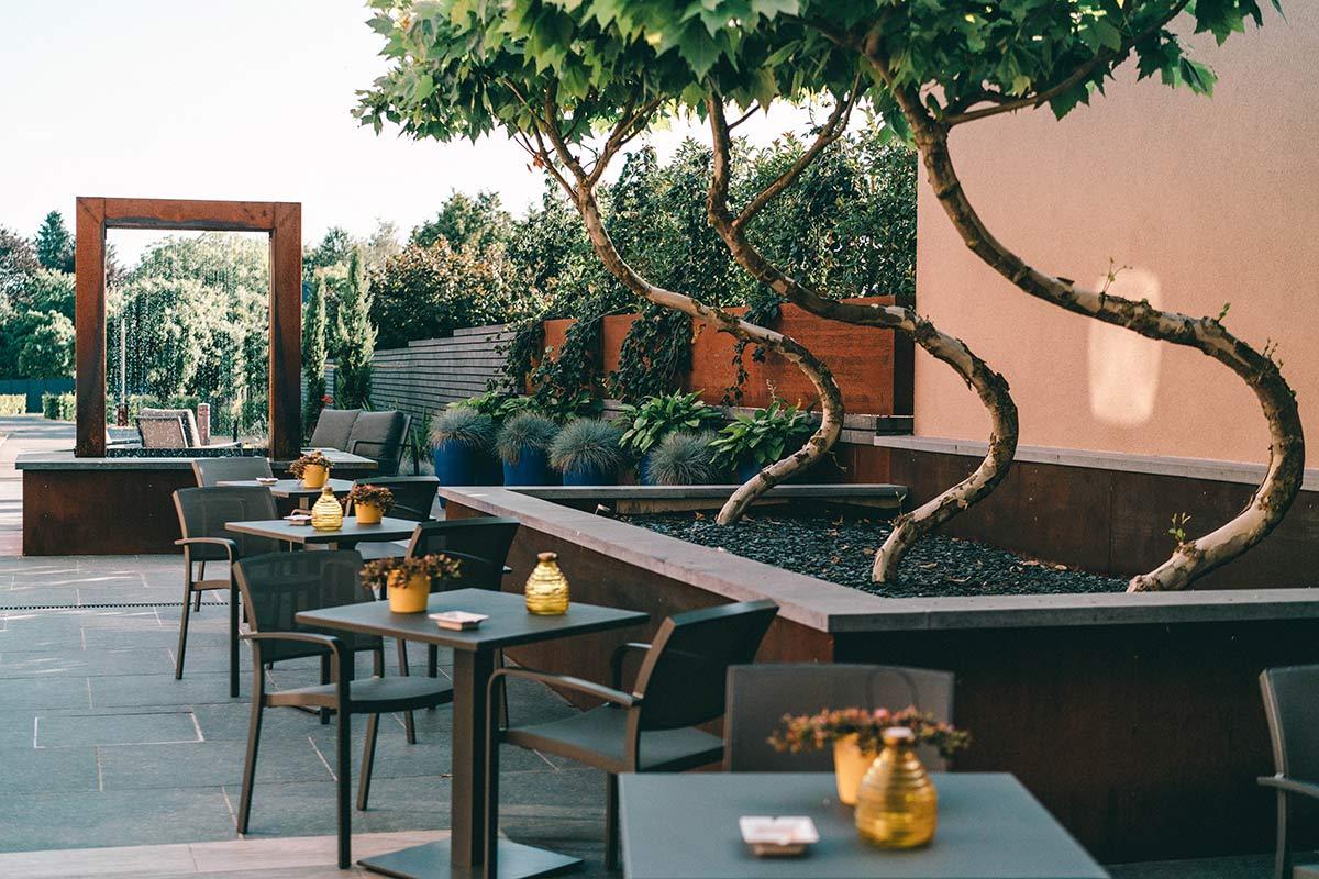 Hotel Le Florentin in Florenville Garten