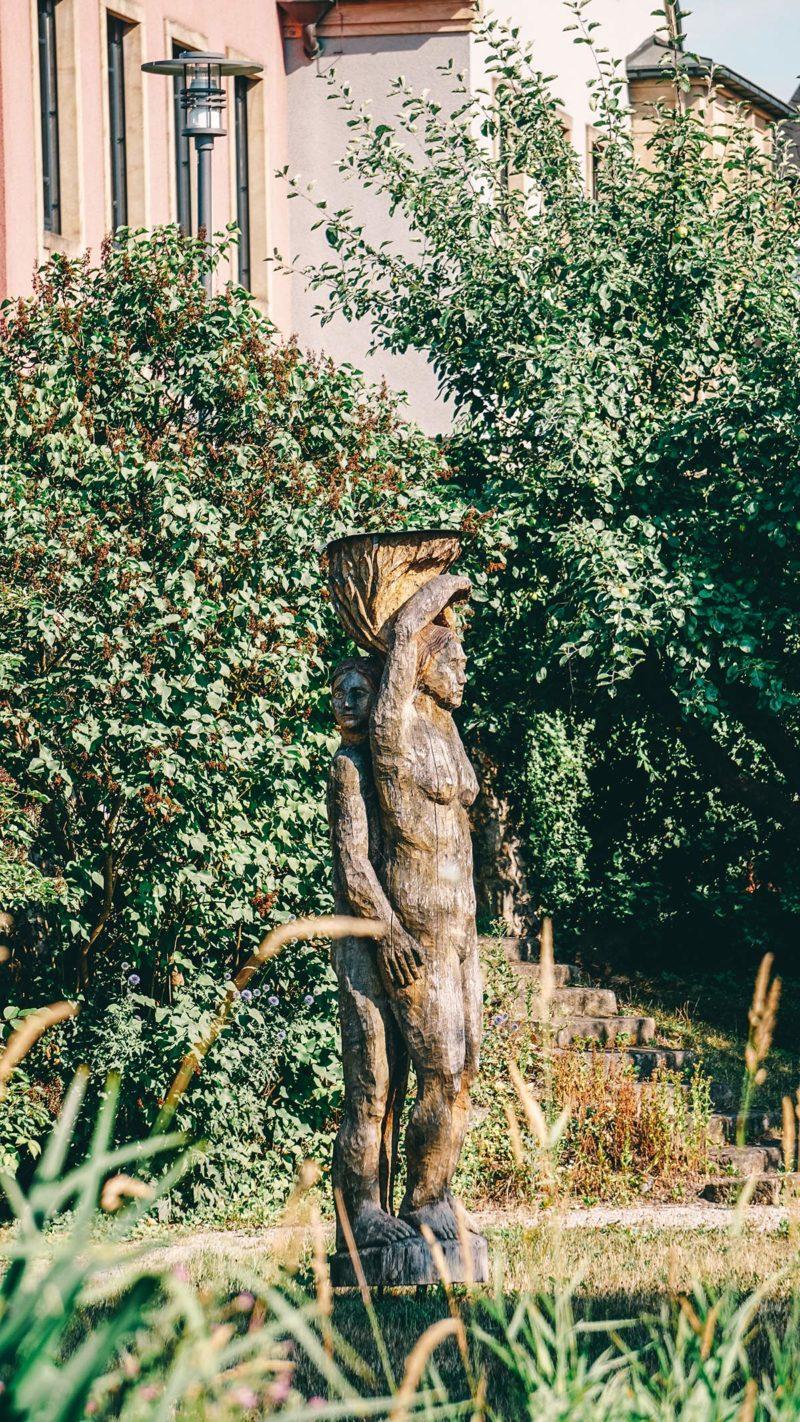 Kunst Statue Gruene Achse