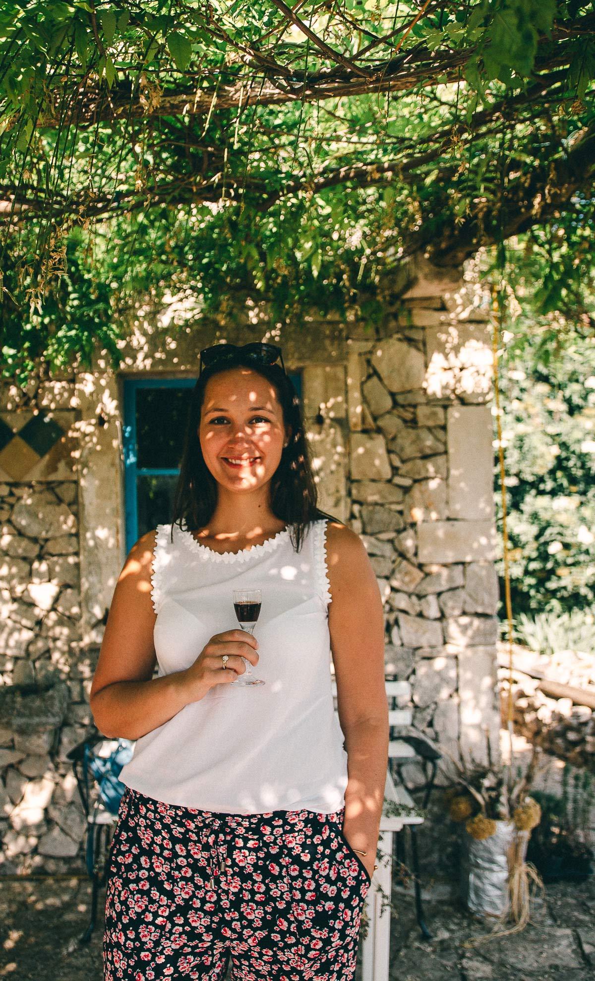 Likör frisch aus dem Kräutergarten Kroatien