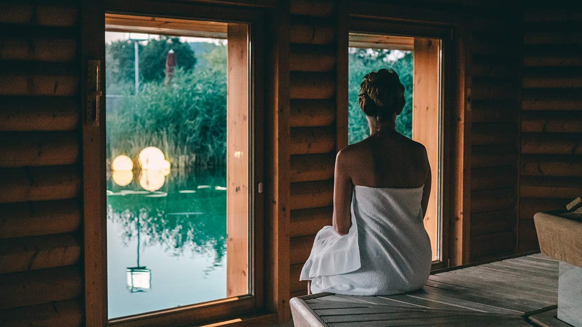Obermain Therme Sauna Blick auf den See