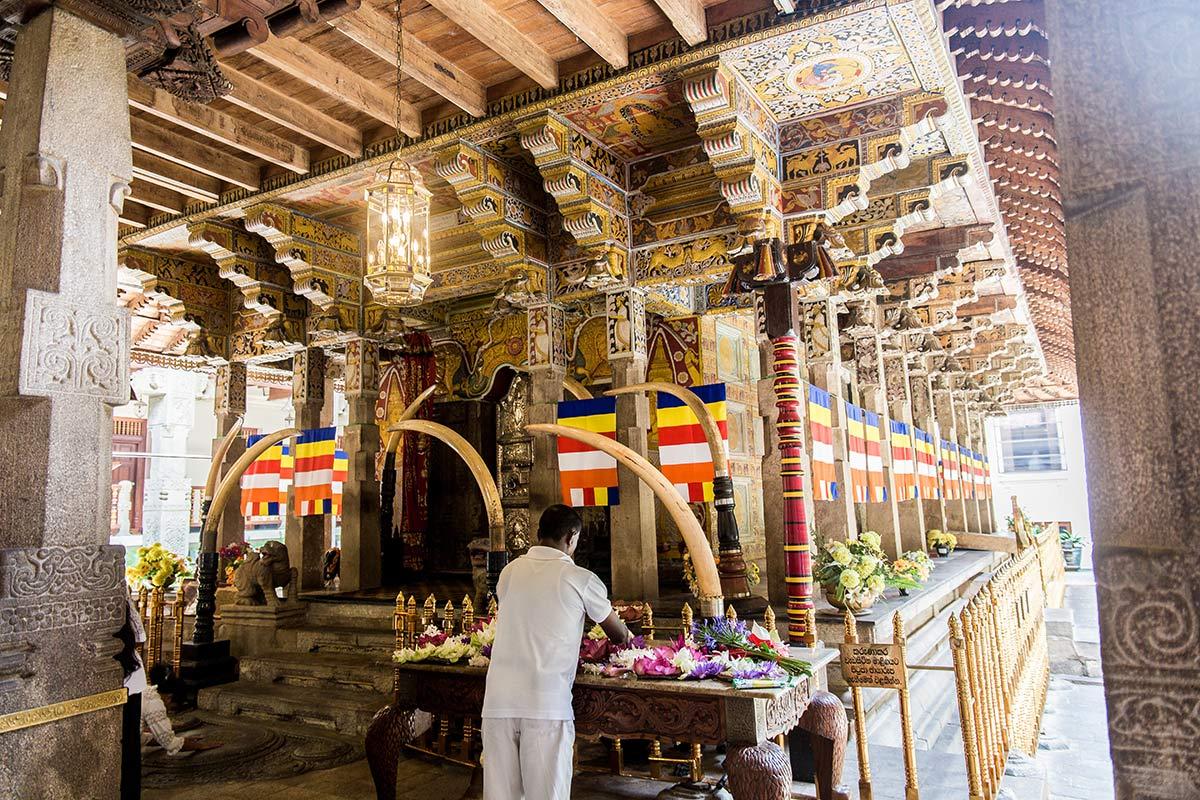 Schrein fuer Buddha Zahn in Kandy