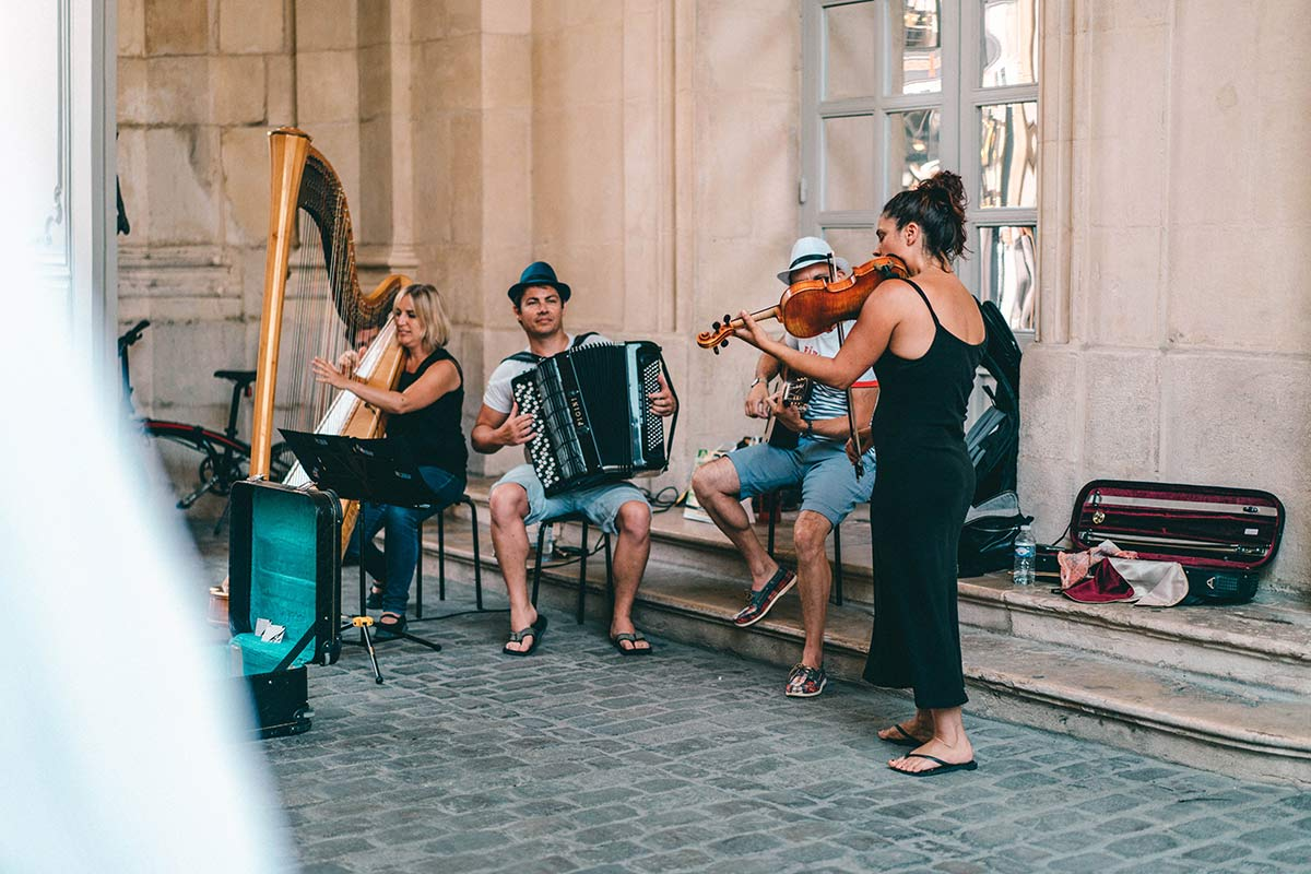 Straßenmusiker in Dijon
