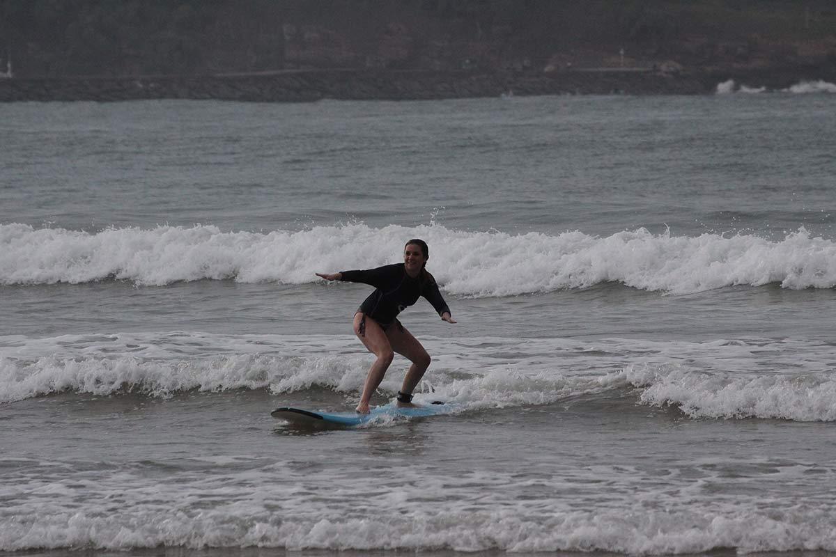Surfen mit Tropic Surf in Sri Lanka