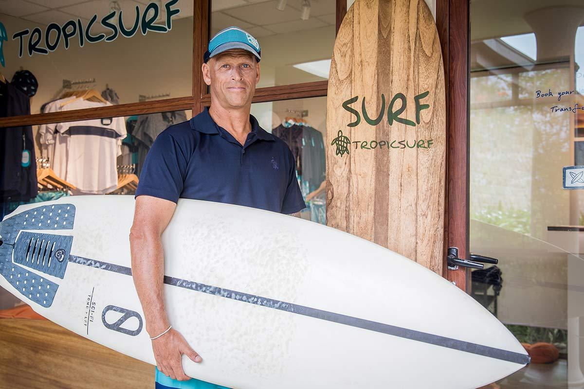 Surflehrer Steve im Anantara Peace Haven Tangalle