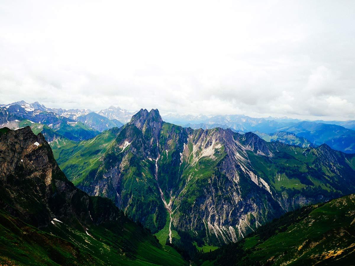 Bergkamm und Landschaft im Allgäu