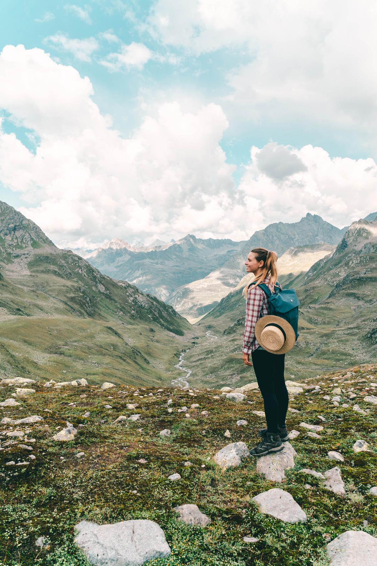 Christine Neder auf einer Wanderung